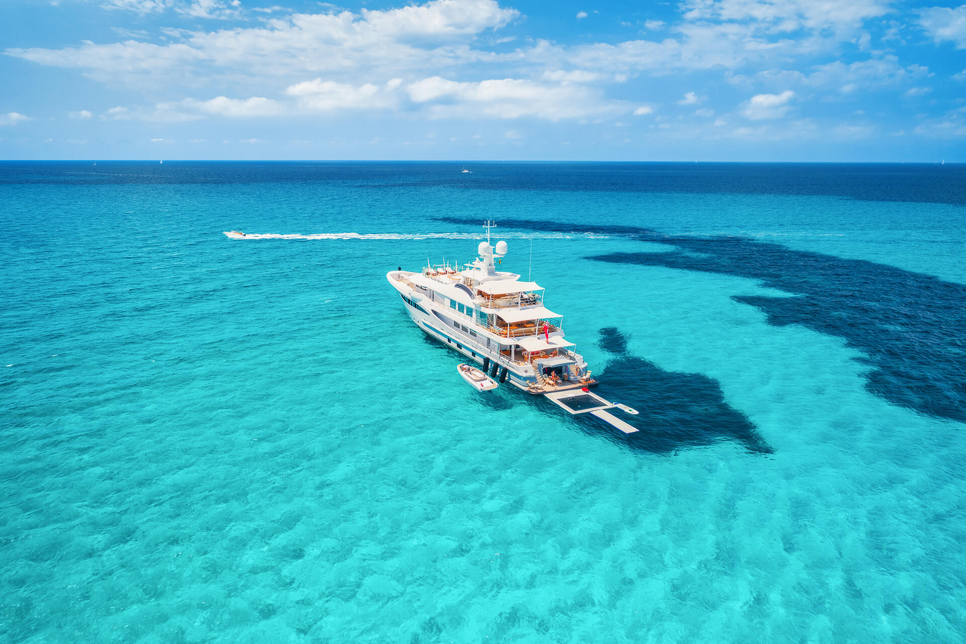 High Level - Boat Charters